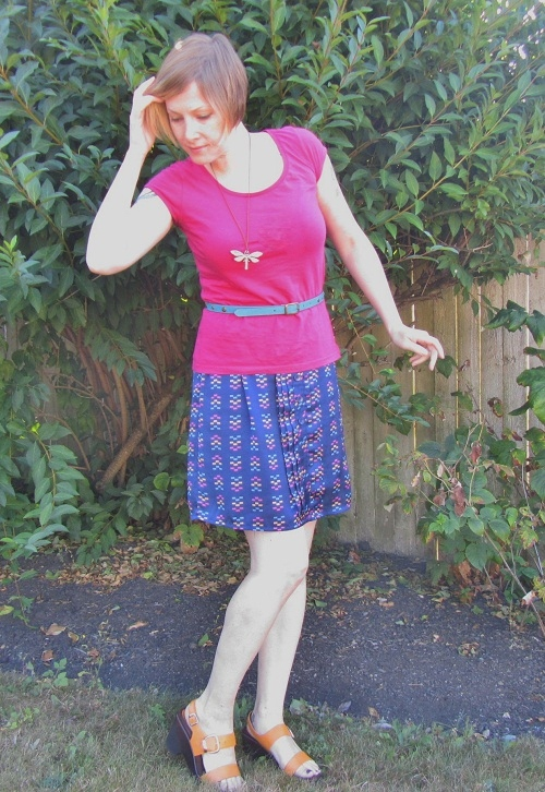 simple skirt with bright shoes