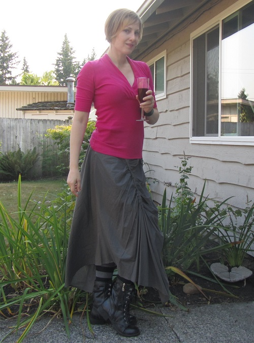 Maxi skirt with Wine accessory