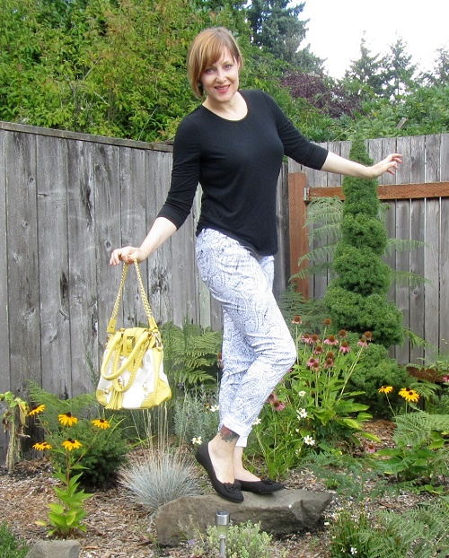 jeans and a Gunas bag